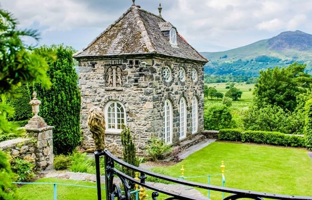 Brondanw Garden, Llanfrothen.
